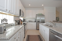 5220Oakbourne_Kitchen_b